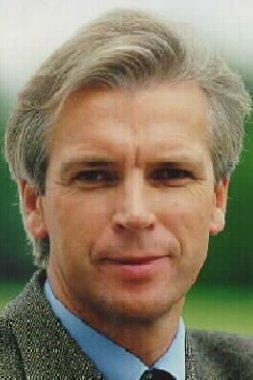 """Aloysius Rauen, Chief Executive Officer der Eurofighter GmbH: """"Ich möchte die Organisation und das Programm wieder so auf Schienen bringen, ... - Rauen_Aloysius"""